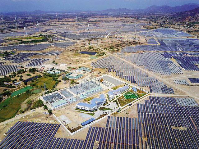 Doanh nghiệp đầu tư điện mặt trời: Lo ngại bị cắt giảm phát điện