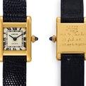 <p> Trang <em>Hodinkee</em> đưa tin chiếc đồng hồ Cartier Tank của đệ nhất phu nhân Mỹ và một bức tranh do bà vẽ vào năm 1963 được bán đấu giá 379.500 USD vào tháng 6/2019. Ảnh: <em>SCMP.</em></p>