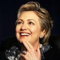 <p> Theo <em>SCMP</em>, sở thích đeo đồng hồ của cựu đệ nhất phu nhân Mỹ - Hillary Clinton - thể hiện tham vọng chính trị. Bởi bà yêu thích các thiết kế đến từ thương hiệu Rolex. Món phụ kiện có tên Day Date được mệnh danh là mẫu đồng hồ tổng thống khi từng được nhìn thấy trên tay của ông Lyndon B. Johnson. Ảnh: <em>ELLE.</em></p>