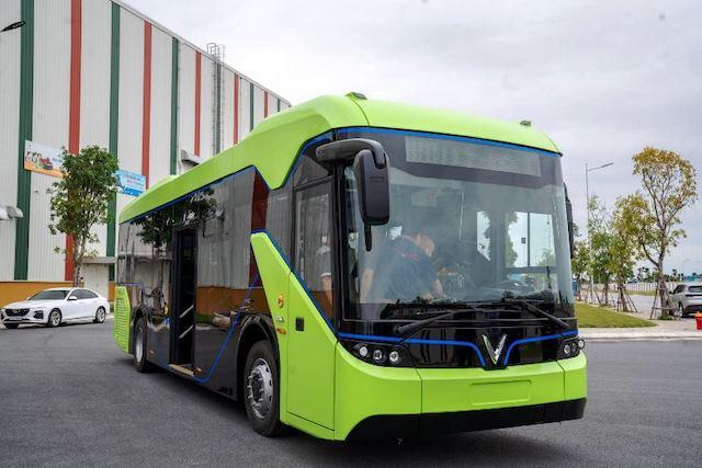Một mẫu xe buýt điện của Vinfast.