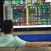 Khối ngoại đẩy mạnh bán ròng 2.160 tỷ đồng trong tuần 11-15/1, bùng nổ giao dịch thỏa thuận