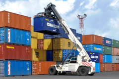 Chính phủ yêu cầu kiểm tra, làm rõ việc tăng giá thuê container và cước vận tải biển