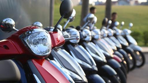 Người Việt giảm mua xe máy