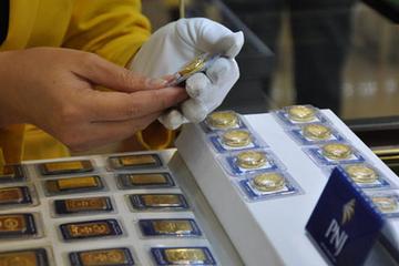 Giá vàng trong nước quay đầu giảm, vẫn đắt hơn 5 triệu đồng/lượng so với thế giới