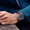 <p> <strong>Panerai Submersible Azzurro 42mm Steel Limited Edition</strong> mang phom dáng mạnh mẽ. Mẫu đồng hồ có khả năng chống nước. Dây đeo của nó được làm bằng cao su tổng hợp, tạo độ bền tối đa. Ảnh: <em>Time and Watches.</em></p>