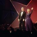<p> Năm 1993, bà Hillary rất xinh đẹp khi diện chiếc váy màu tím của Sarah Phillips tại ngày ông Bill Clinton nhậm chức. Ảnh: <em>AP</em></p>