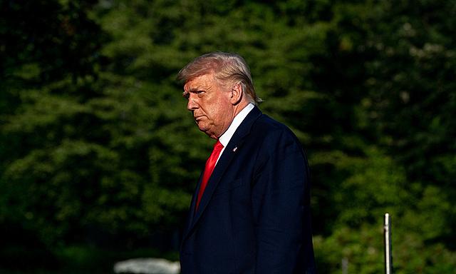 Tỷ lệ ủng hộ Trump xuống thấp nhất nhiệm kỳ