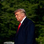 Trump sắp ban '100 lệnh ân xá'