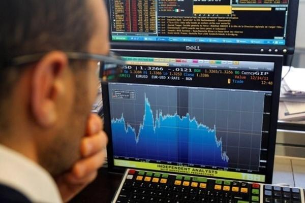 Khối ngoại mua ròng trở lại trong phiên VN-Index giảm gần 61 điểm
