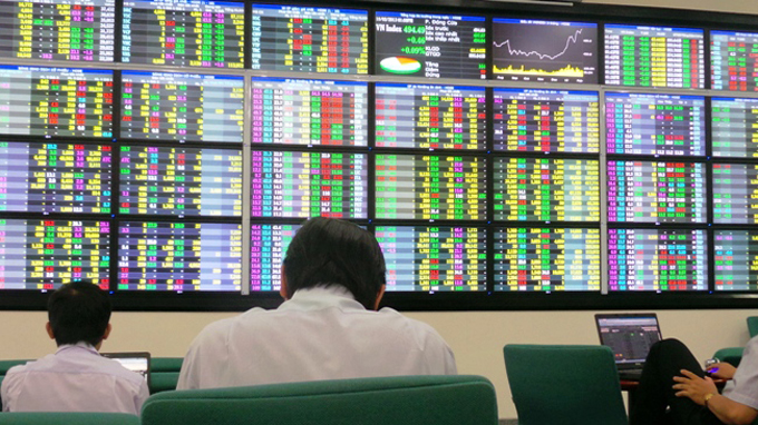 Giá trị khớp lệnh trên TTCK đạt gần 1 tỷ USD, VN-Index giảm gần 61 điểm