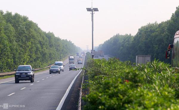 Hạn chế xe tải, xe khách trên tuyến hướng về trung tâm Hà Nội