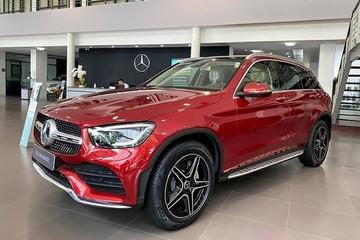 Mercedes GLC300 tăng giá 100 triệu đồng, cắt hệ thống phanh 'xịn'