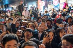 Nikkei Asia: Thu nhập bình quân vượt Philippines, GDP vượt Singapore, đây là khoảnh khắc bứt phá của Việt Nam!