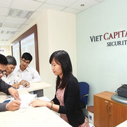 PYN Elite bán thêm cổ phiếu chứng khoán VCI