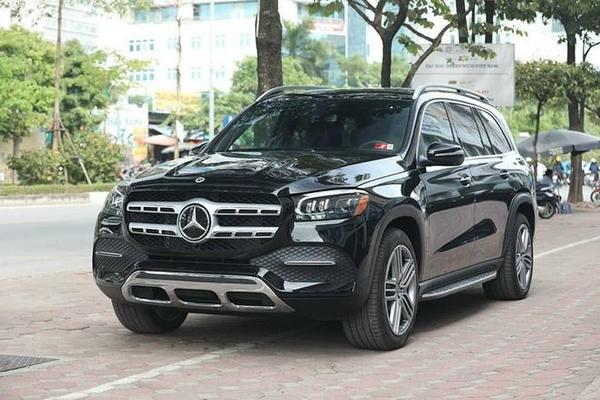 'Chê' xe chính hãng, khách Việt tự nhập Mercedes GLS đắt tiền hơn