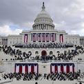 <p> Lễ nhậm chức của Tổng thống Joe Biden và Phó tổng thống Kamala Harris diễn ra vào gần trưa ngày 20/1 tại tòa nhà quốc hội Mỹ. Quy mô sự kiện năm nay giảm đáng kể do các lo ngại an ninh và ảnh hưởng từ đại dịch Covid-19.</p>
