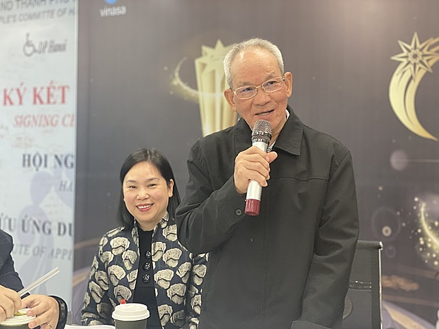 TS Mai Liêm Trực, nguyên Thứ trưởng Bộ Bưu chính Viễn thông, phát biểu tại buổi lễ.