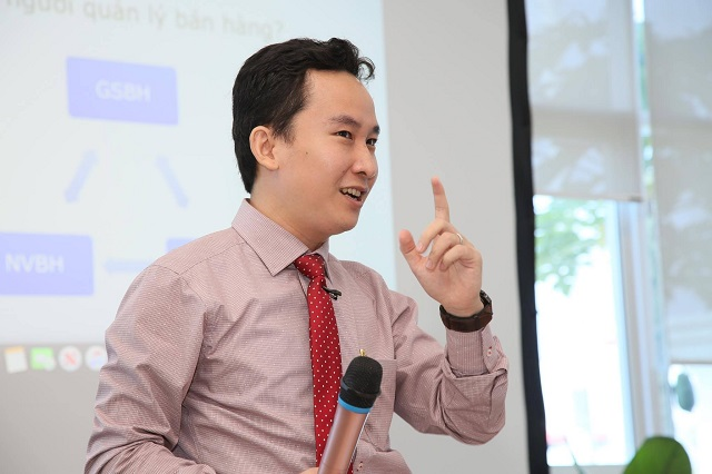 TS. Châu Đình Linh – Đại học Ngân hàng TP HCM.
