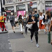 Nợ công của Anh tăng lên mức cao kỷ lục trong nhiều thập kỷ