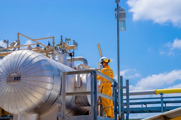 Giá dầu Brent giảm 33%, lợi nhuận PV Gas giảm 46% trong quý IV