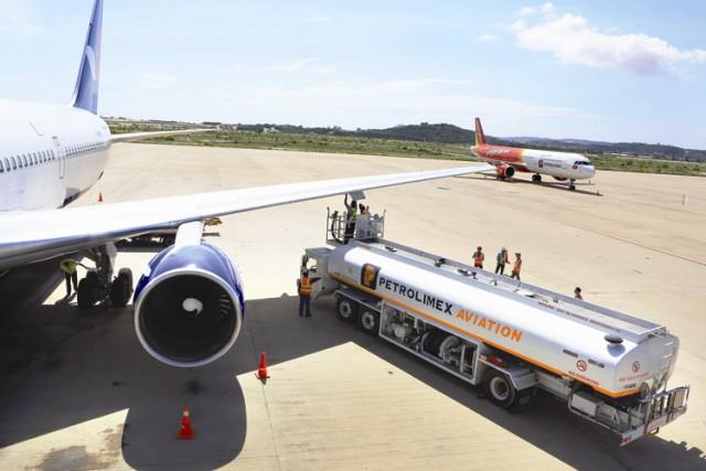 Tiếp tục giảm 30% thuế môi trường với nhiên liệu bay