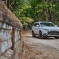 """<p class=""""Normal""""> <strong>Mitsubishi</strong><br /><br /> Mitsubishi tiếp tục triển khai chương trình ưu đãi 50% phí trước bạ cho mẫu xe Outlander bản 2.0 CVT (trị giá 41 triệu đồng) và bản 2.0 CVT Premium (trị giá 47 triệu đồng). Bên cạnh đó, Mitsubishi cũng tặng quà là ghế da, camera 360 hoặc bảo hiểm vật chất cho khách hàng mua Outlander tùy từng phiên bản.</p> <p class=""""Normal""""> Hãng xe này cũng giảm 50% phí trước bạ và tặng một năm bảo hiểm vật chất cho khách hàng mua Xpander bản MT và bản AT (cả nhập khẩu và lắp ráp). Bên cạnh Outlander và Xpander, một mẫu xe khác của Mitsubishi cũng đang được ưu đãi 50% phí trước bạ là sedan cỡ B Attrage. (Ảnh: <em>Mitsubishi</em>)</p>"""