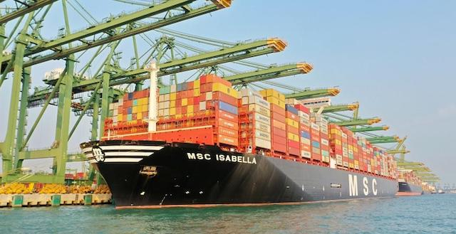"""tỷ lệ container hàng hóa bị """"rớt tàu"""" phải nằm lại 20 cảng hàng đầu thế giới tăng 75% trong tháng 12."""