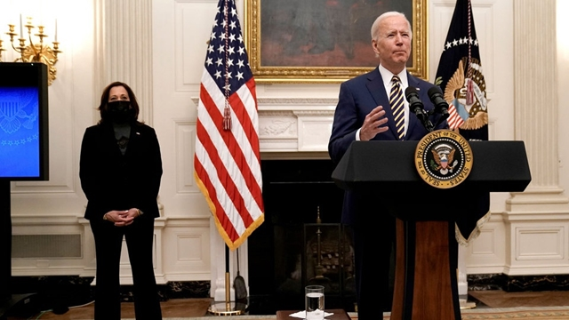 Ông Biden phát biểu từ Nhà Trắng hôm 22/1. Ảnh: WSJ.