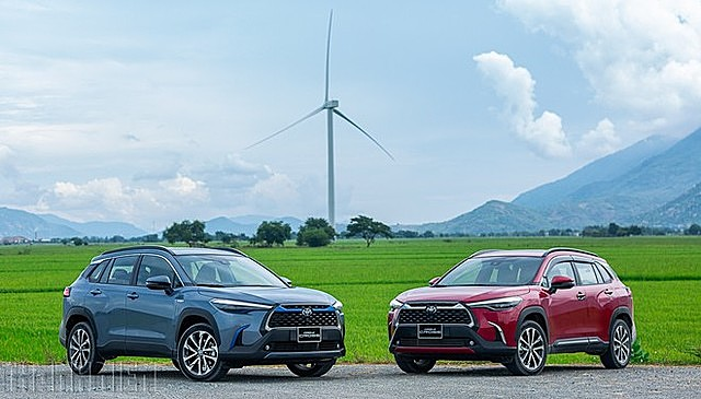 Người mua Toyota Corolla Cross phải mất một vài tuần thậm chí cả tháng mới nhận được xe.