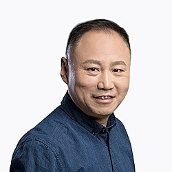 Ông Yin Ming - người đứng đầu bộ phận kinh doanh bảo hiểm của Ant Group. Ảnh: Ant Group.