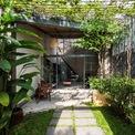 <p> Ngôi nhà tại Thủ Đức, TP HCM được thiết kế dành cho cặp vợ chồng trẻ. Sau cuộc sống ồn ào bên ngoài, họ yêu cầu một không gian yên tĩnh và thanh bình.</p>
