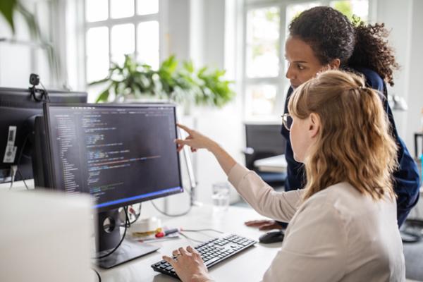 Nghề viết phần mềm 'hốt bạc' thế nào?
