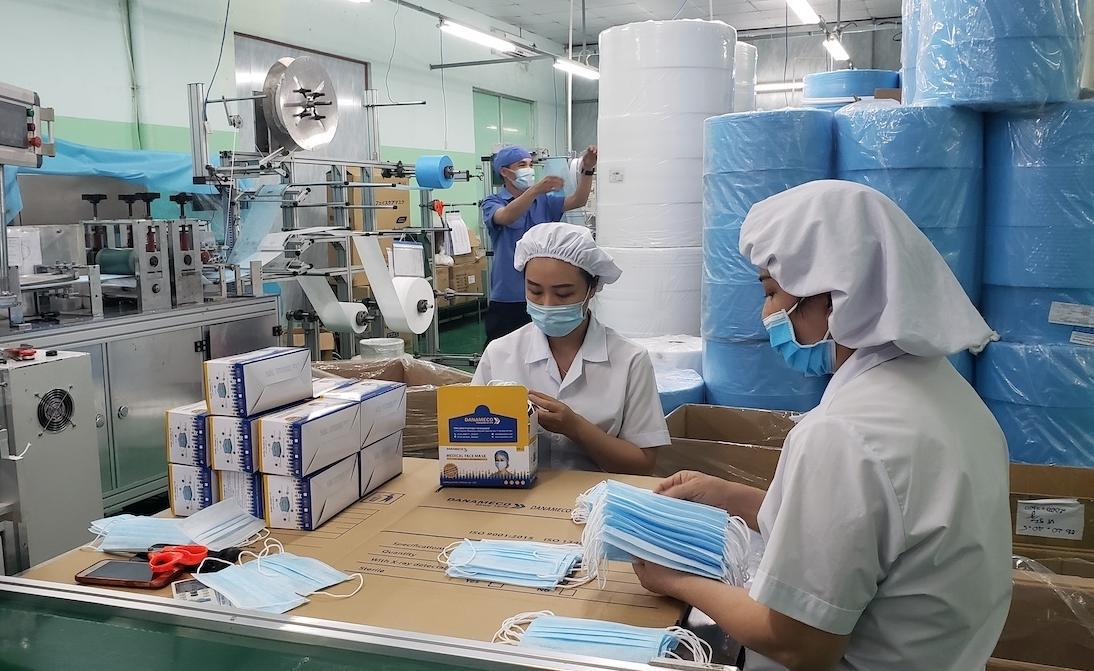Công ty sản xuất khẩu trang lỗ quý IV