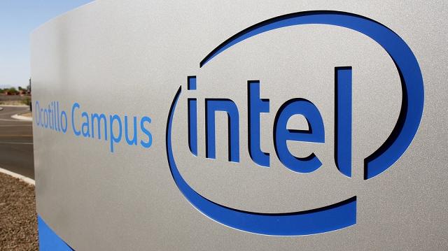 Intel tăng cường thuê ngoài sản xuất chip.