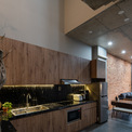 <p> Không gian sống được bao phủ bởi nhiều lớp gạch và cây xanh. Do đó ngôi nhà được giảm thiểu sự phụ thuộc vào việc sử dụng điều hòa nhiệt độ.</p>