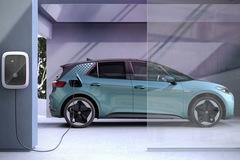 Volkswagen có thể bị phạt 100 triệu euro vì phát thải CO2 vượt chuẩn