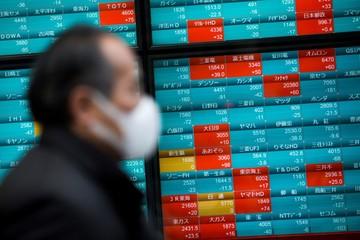 IMF nâng dự báo tăng trưởng kinh tế toàn cầu, chứng khoán châu Á trái chiều