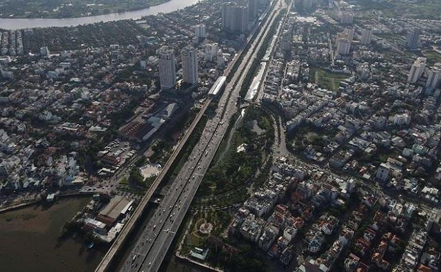 Chục tỷ USD bứt tốc giao thông: 'Ăn theo' hạ tầng không phải chắc thắng