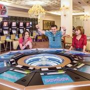 Chủ casino lớn nhất Quảng Ninh lỗ 82 tỷ đồng, cổ phiếu tăng trần 12 phiên liên tiếp