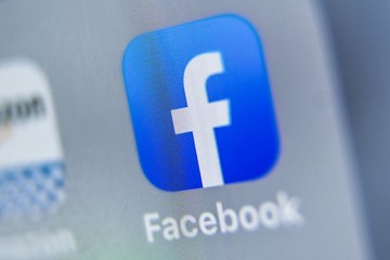 Facebook gỡ tính năng đề xuất các nhóm liên quan đến chính trị
