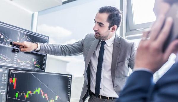 Khối ngoại mua ròng 575 tỷ đồng trong phiên VN-Index giảm kỷ lục