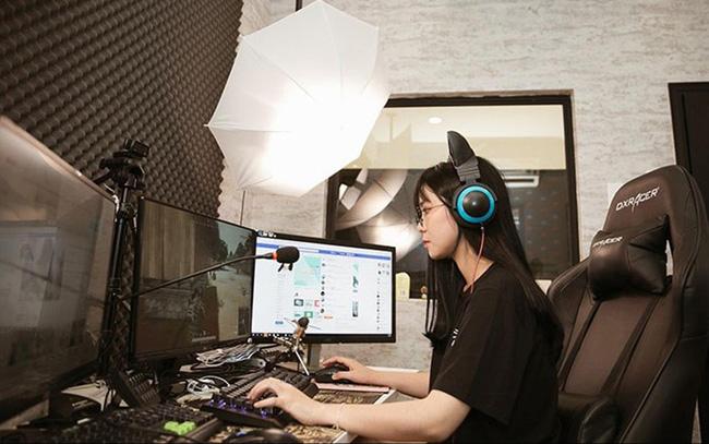 Ai là Youtuber kiếm tiền nhiều nhất ở Việt Nam