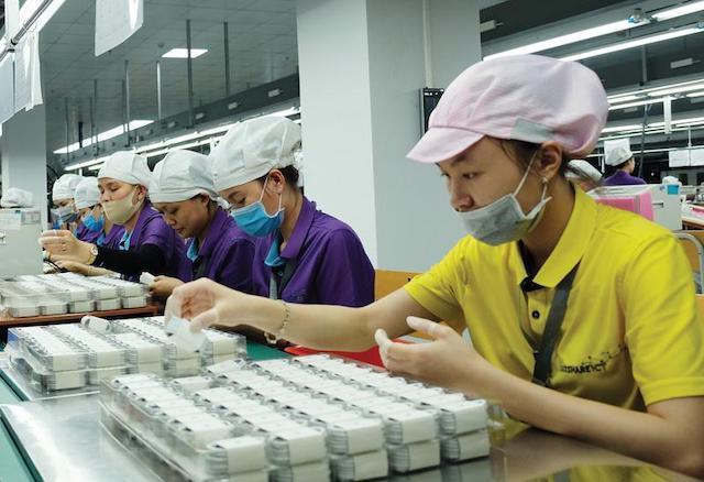 Apple tái cơ cấu chuỗi sản xuất toàn cầu.