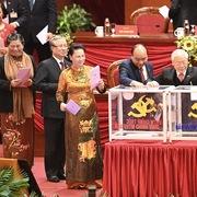 Trung ương bầu Bộ Chính trị, Tổng Bí thư, Ban Bí thư khóa XIII