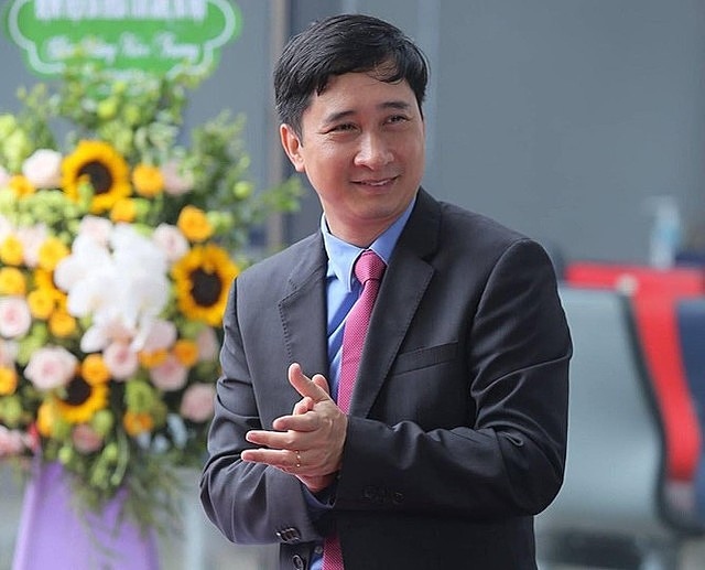 Ông Ngô Chí Dũng là cổ đông sáng lập, Chủ tịch HĐQT VNVC - doanh nghiệp sẽ nhập khẩu và phân phối 30 triệu liều vaccine phòng Covid-19 của AstraZeneca tại Việt Nam