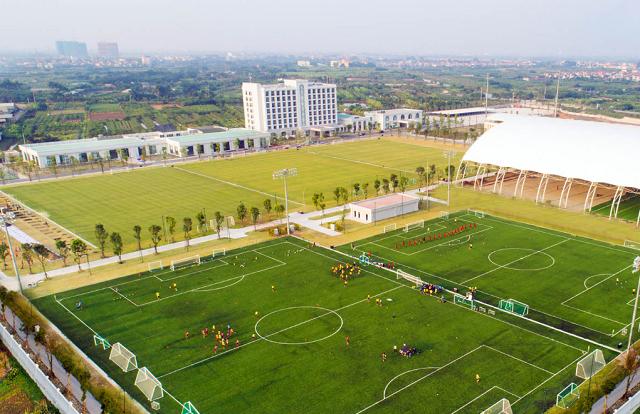 Vingroup tặng Trung tâm Đào tạo Bóng đá trẻ
