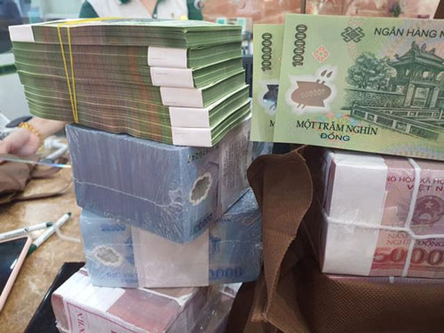 Không dễ đổi tiền mới dịp Tết  - Ảnh 1.