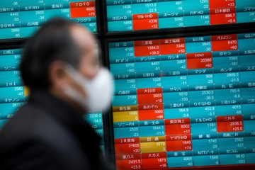 Tăng trưởng dịch vụ tại Trung Quốc giảm tốc, chứng khoán châu Á trái chiều