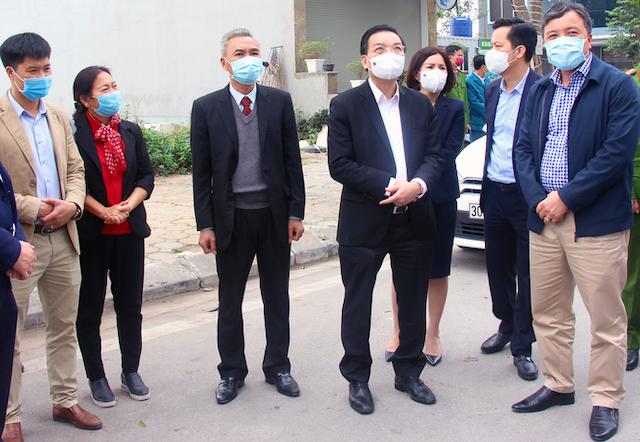 Chủ tịch UBND TP Hà Nội Chu Ngọc Anh kiểm tra công tác phòng, chống dịch Covid 19 tại Khu đô thị Thanh Hà hôm 3/2.