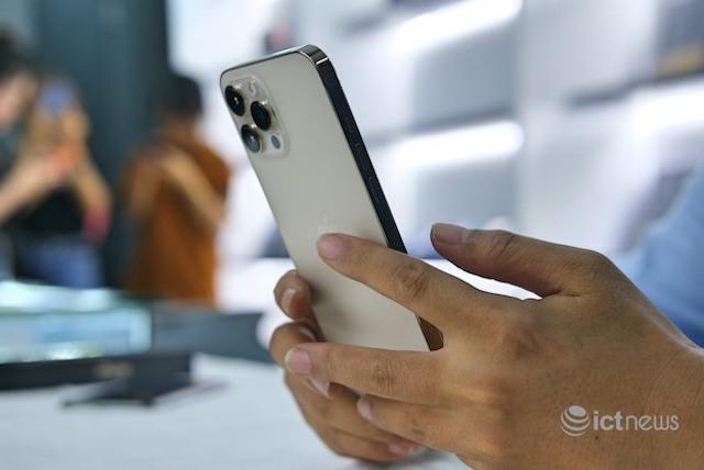 Gần như các mẫu iPhone 12 đều giảm giá ít nhất 1 triệu đồng trong thời gian cận Tết Nguyên đán Tân Sửu.